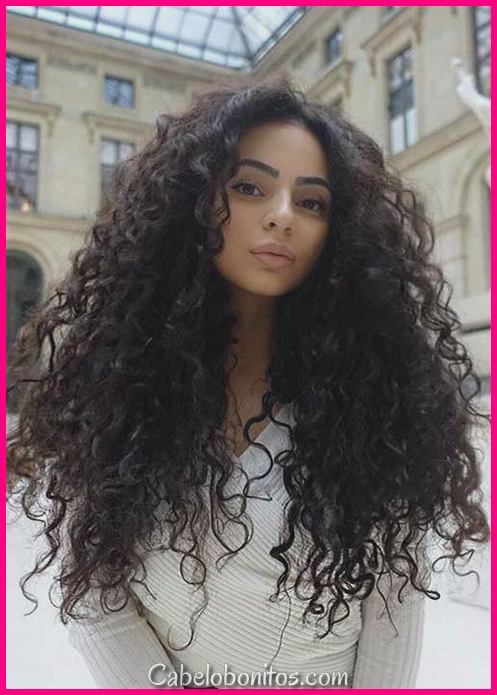 51 Chic penteados longos e crespos: porquê pentear o cabelo cacheado