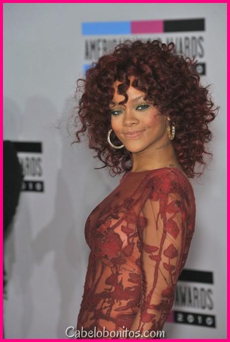 30 Melhores penteados de Rihanna