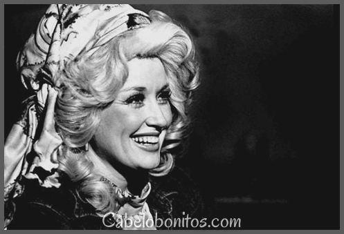 Melhor de Dolly Parton penteados: 39 fotos para sua inspiração