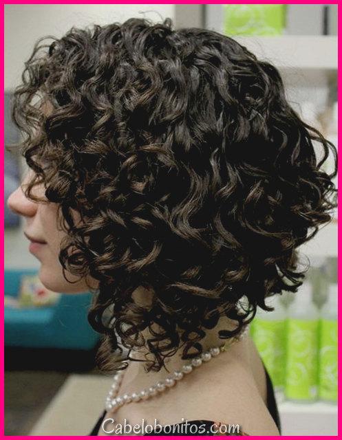 Penteado encaracolado para cabelos finos curtos