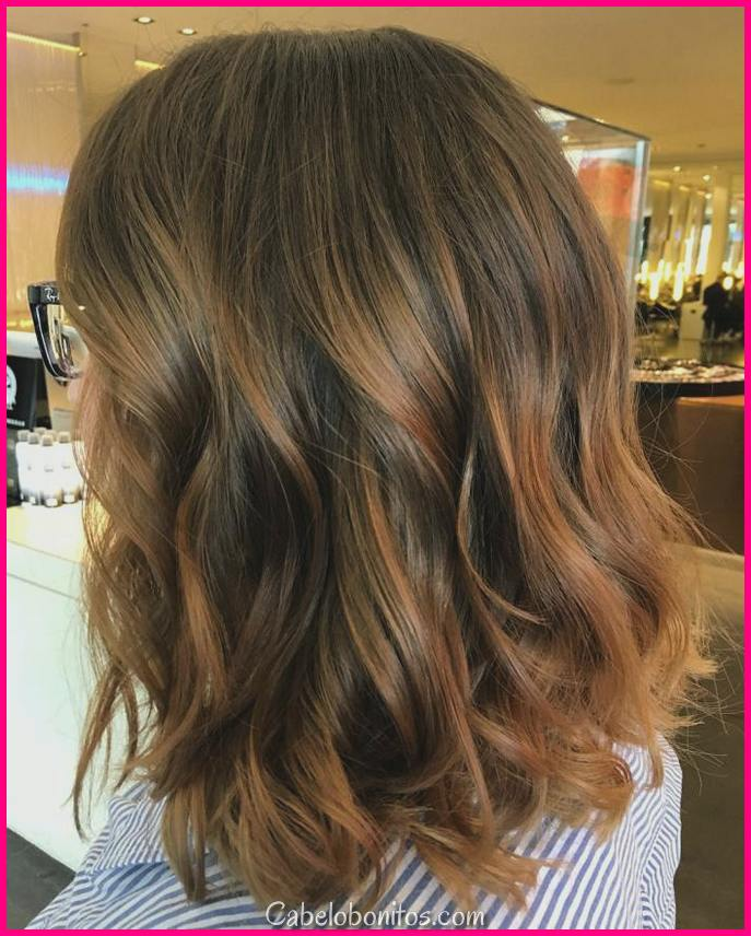 30 penteados médios com camadas para mulheres