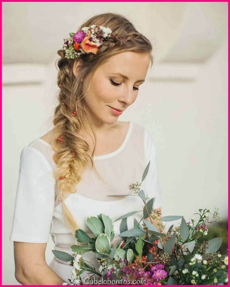 Penteados semi-penteados com tranças para casamentos muito modernos
