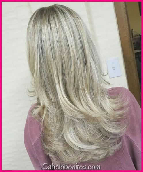 20 penteados longos em camadas glamourosas para mulheres